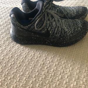 Nike Women's Luna Running shoes